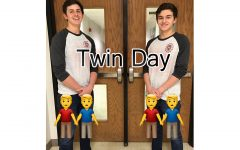 #What'sUpWednesday – Twin Day