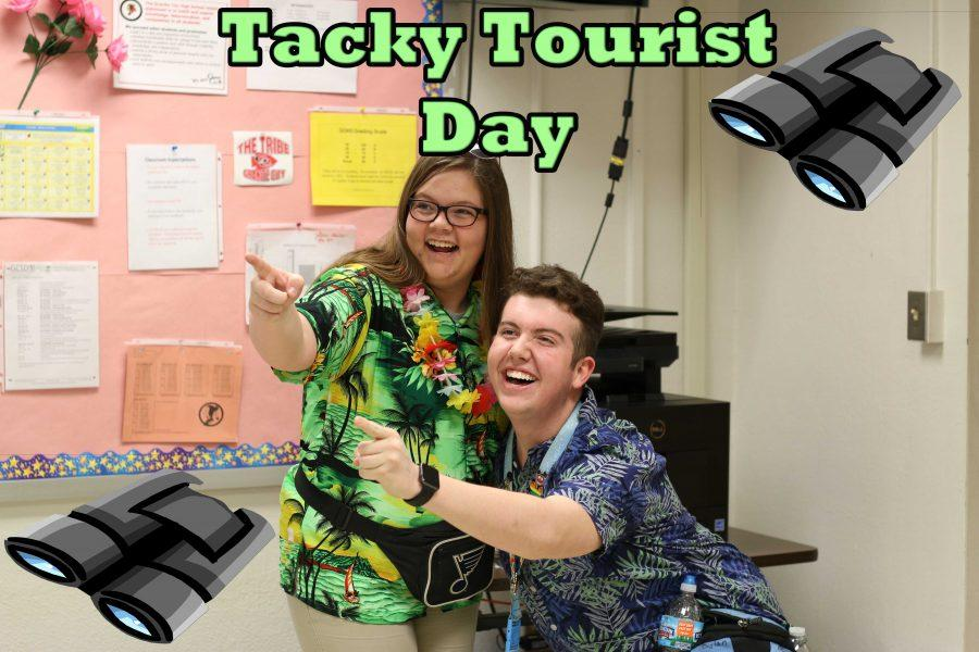 #What'sUpWednesday - Tacky Tourist