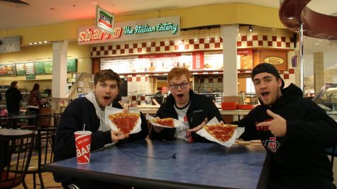 image of GHW students at Sbarro pizza place